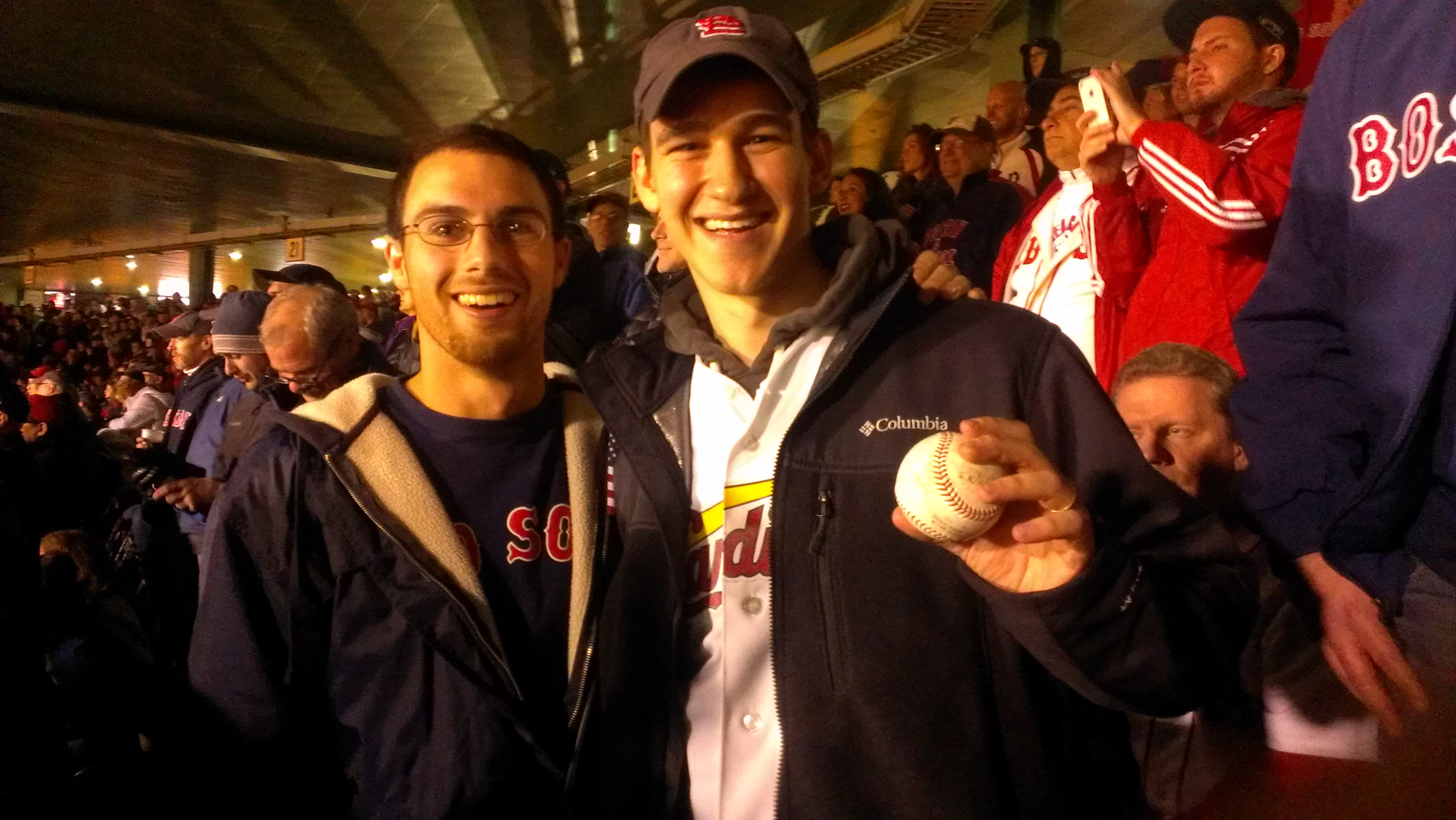 World_Series_Game_1-foul_ball